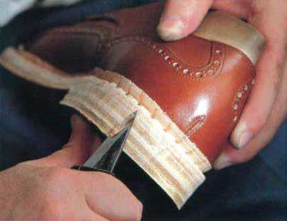 اندازه گیری و شکل دهی پاشنه - HEELS - صنعت پاشنه ها در کفاشی