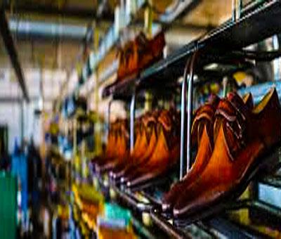 سنجش مزیت نسبی و رقابتی صنعت چرم ایران در بازارهای جهانی