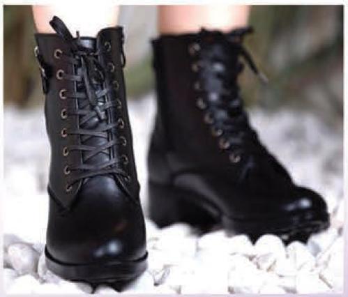 16 نکته مهم برای خرید کفش زمستانی زنانه